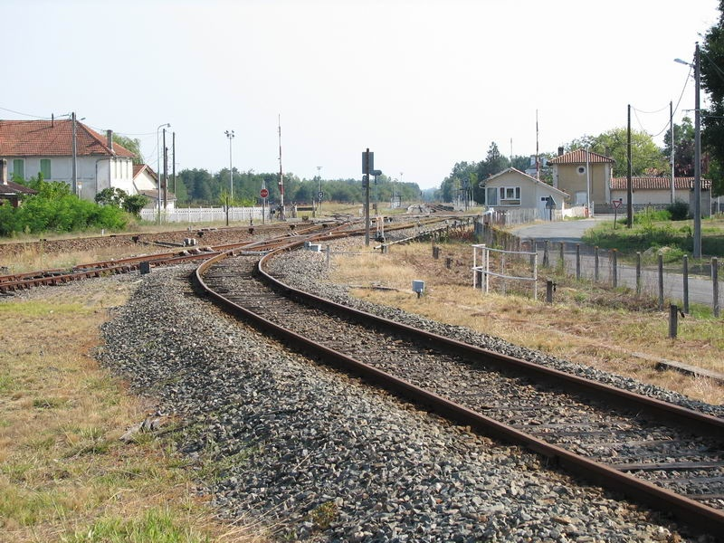 Pk 572,7 : Gare de Saint-Mariens - Saint-Yzan (33) Saint-11