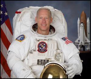 STS-117 : Préparations Jsc20011