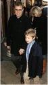 Family Barlow at Peter Pan premiere Sans-t17