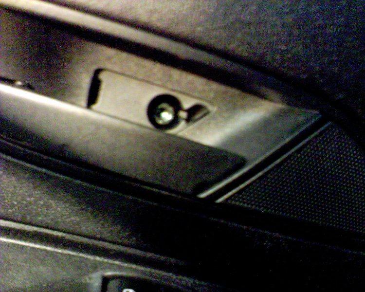 Fiat grande punto d pose garniture porte av l ve for Vis de poignee de porte