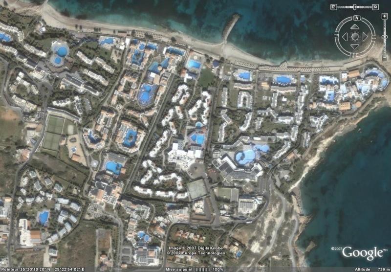 Les piscines du Monde découvertes avec Google Earth - Page 4 Piscin10
