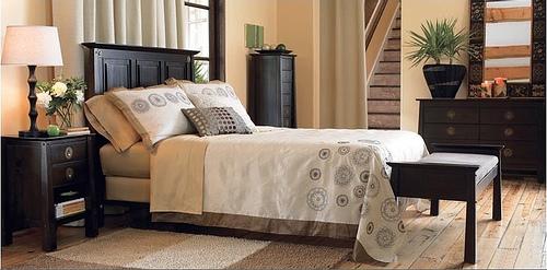 conseils pour la d coration d 39 une chambre d 39 adulte. Black Bedroom Furniture Sets. Home Design Ideas