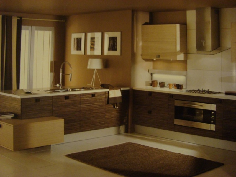 Apres la cuisine le salon Cuisine equipee marron