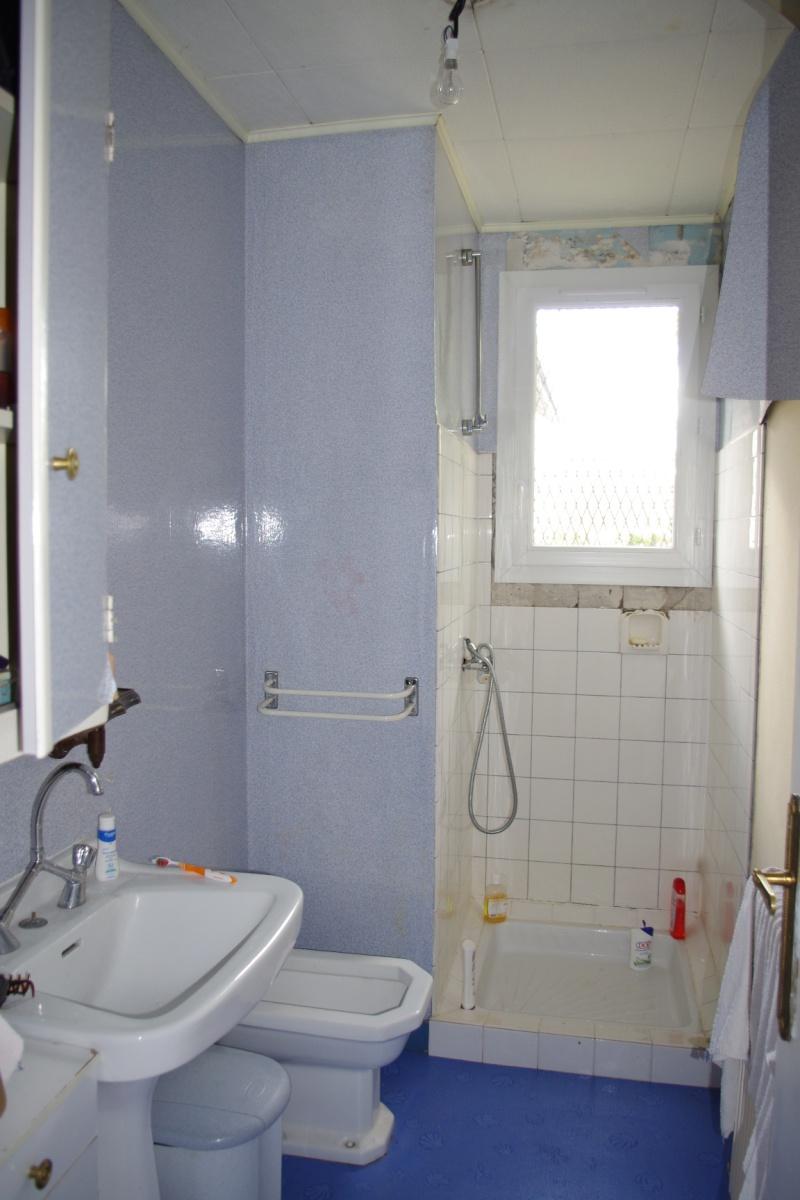 Maison en rénovation, à rafraîchir : sdb complètement refaite à ...