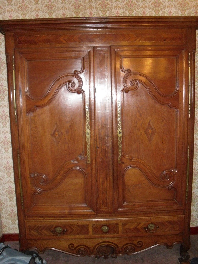 armoire ancienne. Black Bedroom Furniture Sets. Home Design Ideas