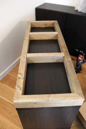 customisation d 39 un meuble su dois. Black Bedroom Furniture Sets. Home Design Ideas